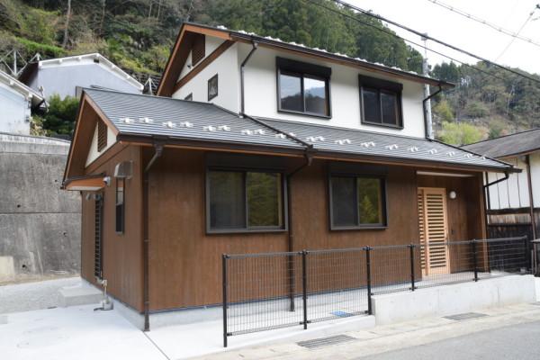 川上村村営住宅外観