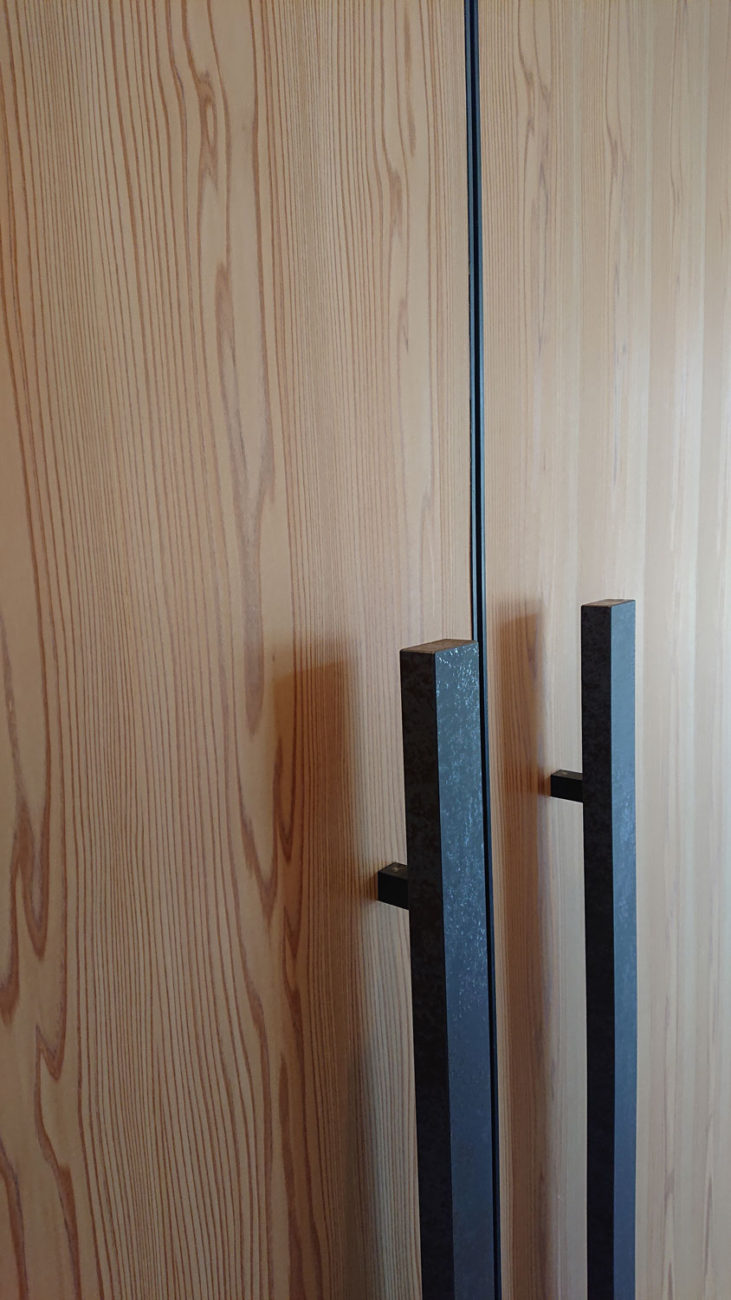 吉野プレミアムシート板目ドア2